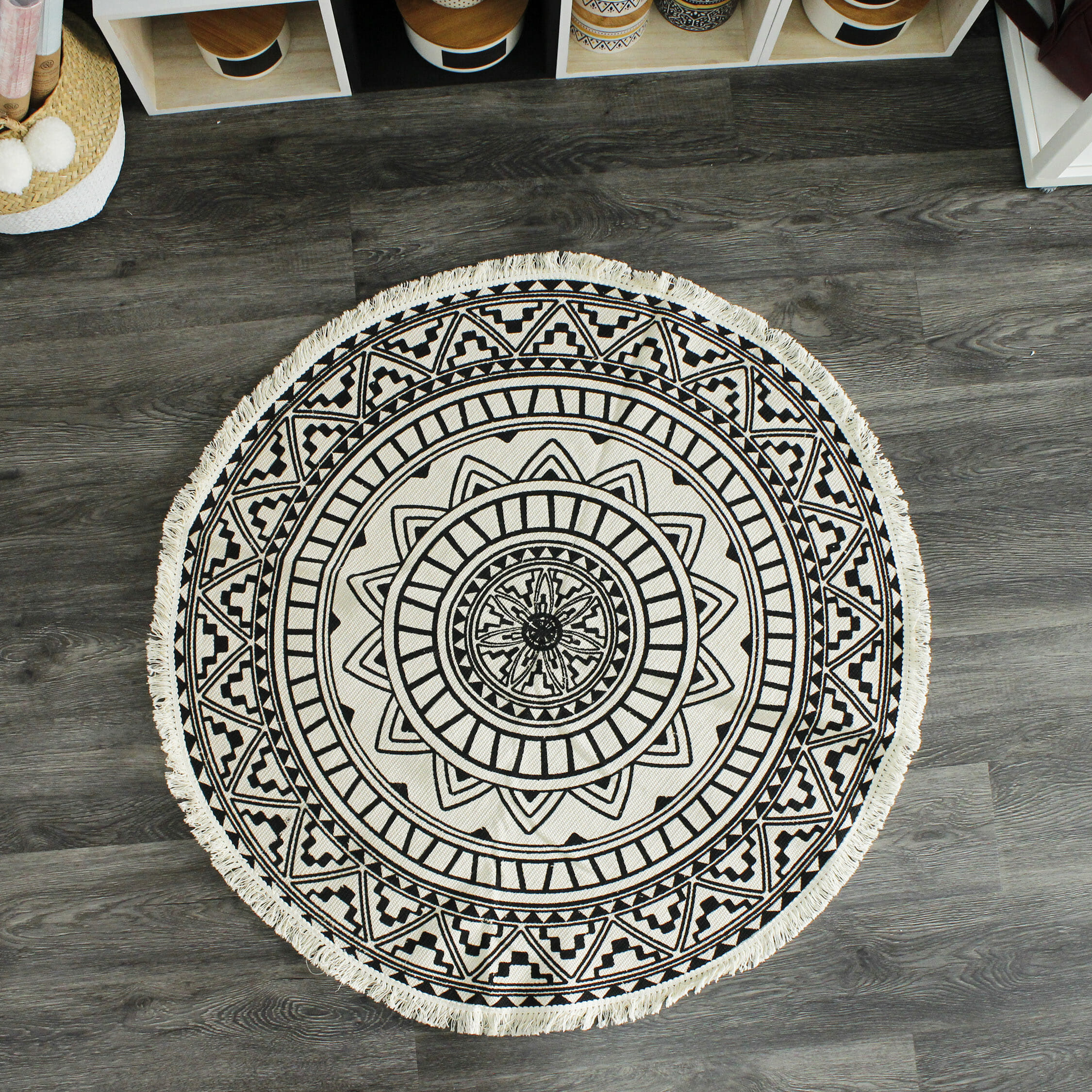 tapis rond mandala entretemps atelier boutique. Black Bedroom Furniture Sets. Home Design Ideas